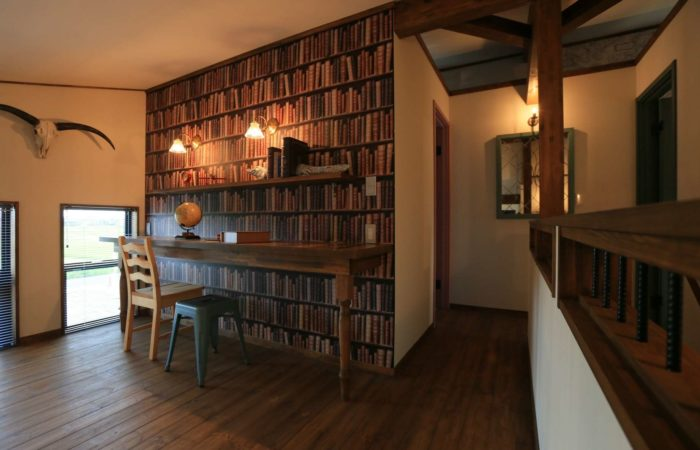 モダンな2階小スペース