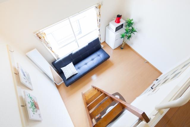 ロフトによって広く感じられる部屋のイメージ